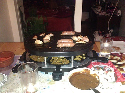 Dutch gourmetten pan in action