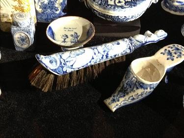Gemeente Museum Delft blauw sweeper