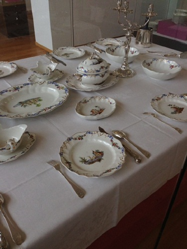 Gemeente Museum table setting