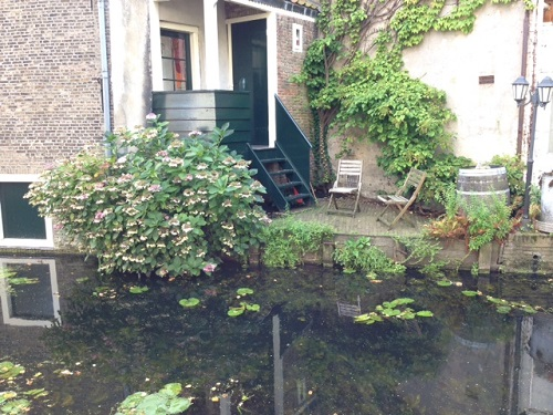 Delft canal scene