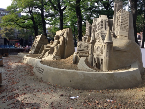 sand art in The Hague