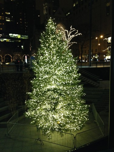Christmas tree by Best Buy in Chicago