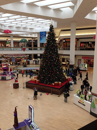 Christmas tree at the Fox Valley Mall