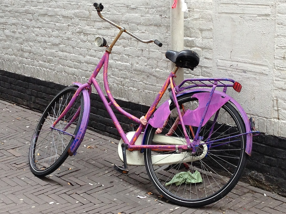 Purple Dutch bike - close up