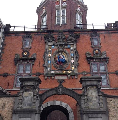 Groothoofdspoort with relief of Dordrecht maiden