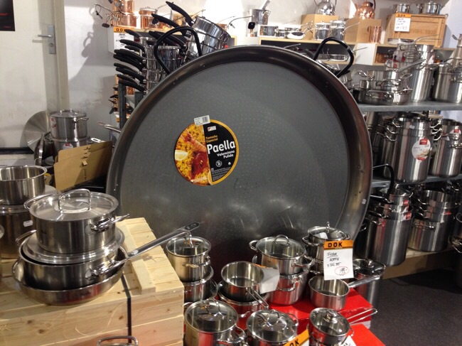 Four foot paella pan