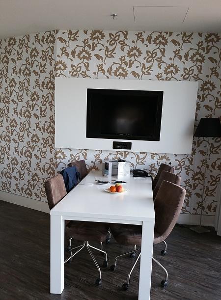 Mercure hotel Amersfoort dining room table