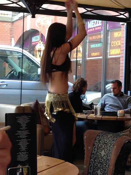 Dancer at Mezze Arabische Tapasbar