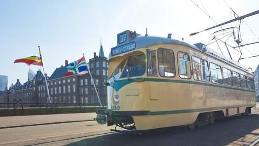 Den Haag tourist tram