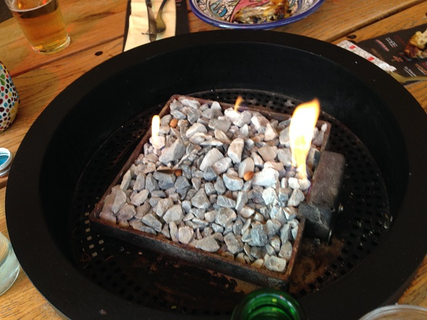 Rocks and fire at Mezze Arabische Tapasbar