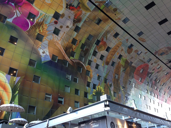 markthal-rotterdam-inside-walls