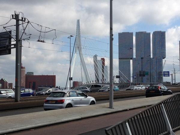 nhow-hotel-rotterdam-and-erasmus-bridge