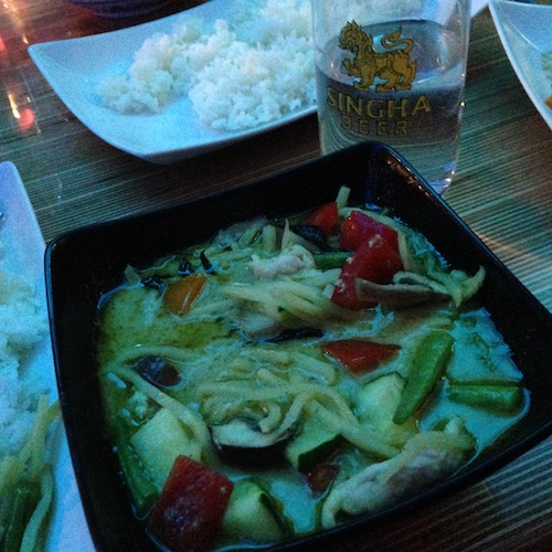 chicken-and-veggies-in-a-green-curry-aim-aroy-tilburg