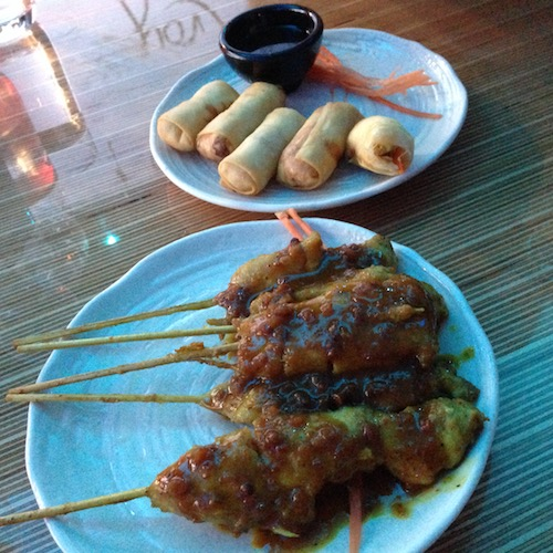 spring-rolls-and-sate-at-aim-aroy-tilburg