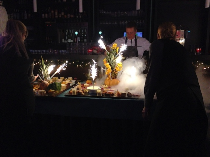 fireworks-and-fog-machine-at-the-dessert-bar-2
