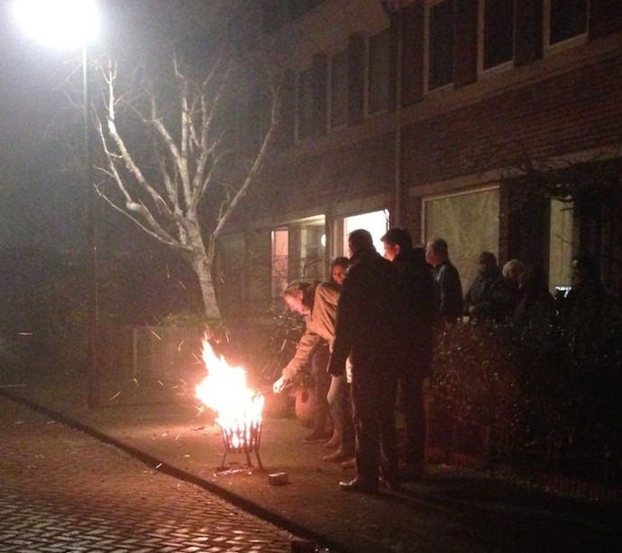 tending-to-the-fire-on-new-years-eve-2016-the-hague