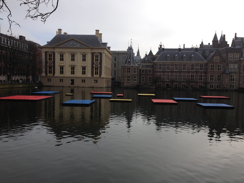 colored-boxes-on-the-hofvijver-mondriaan-in-the-hague