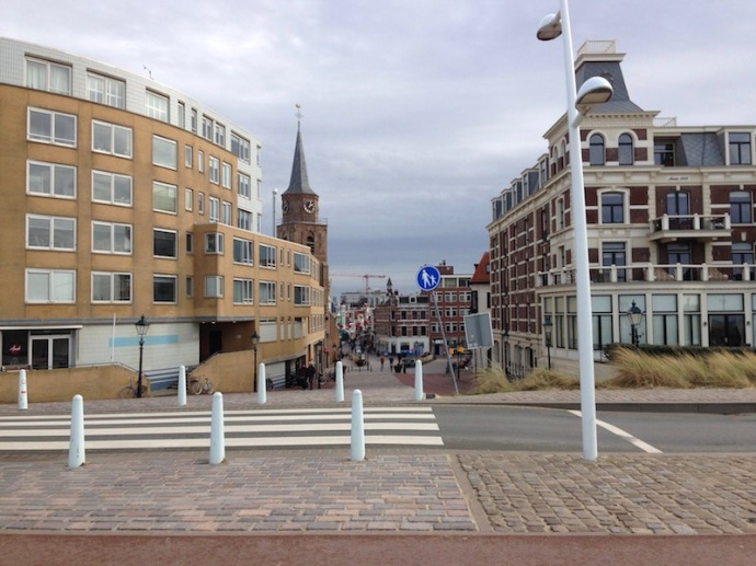 looking-at-keizerstraat-from-scheveningen-beach