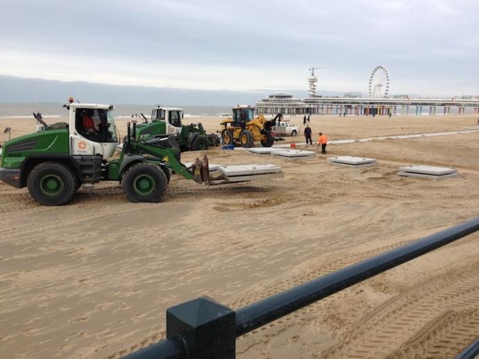 preparing-for-the-opening-of-the-beach-season-2017-scheveningen