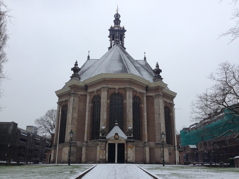 snow-on-the-nieuwe-kerk-in-the-hague