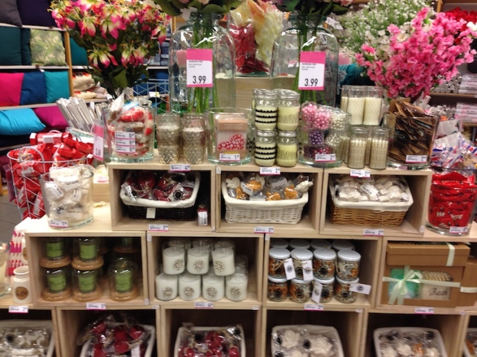 valentines-display-by-xenos-in-the-hague