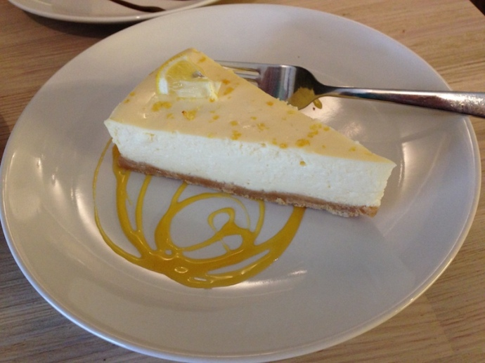 Lemon cheesecake by the Cheesecake Company, The Hague