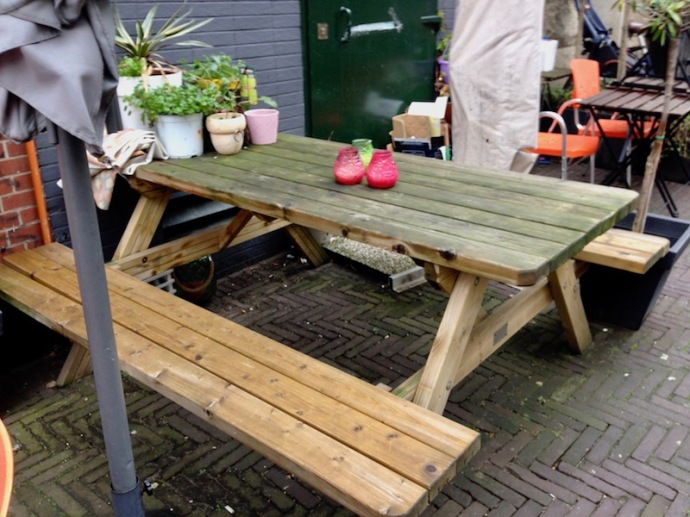 Table outside of Chinny - Kettingstraat, The Hague