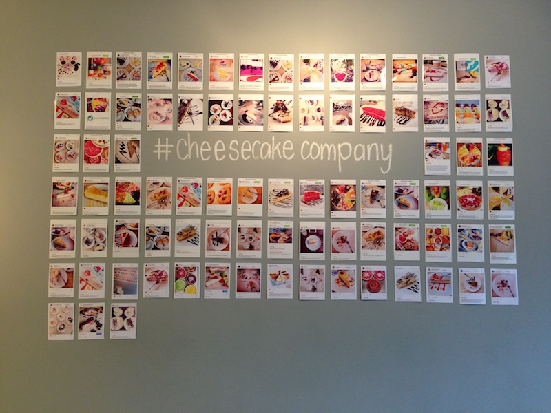 Wall of social media comments from customers, Cheesecake Company The Hague