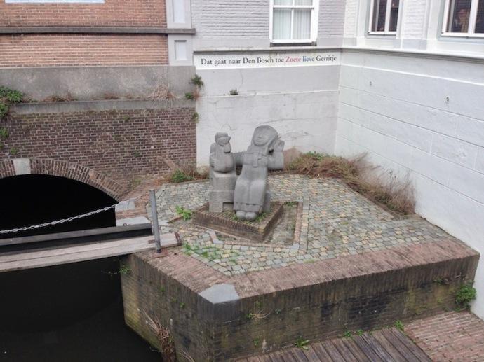 Zoete lieve Gerritje statue in Den Bosch