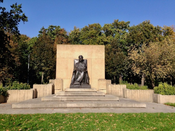 Monument to Queen Consort Emma of the Netherlands