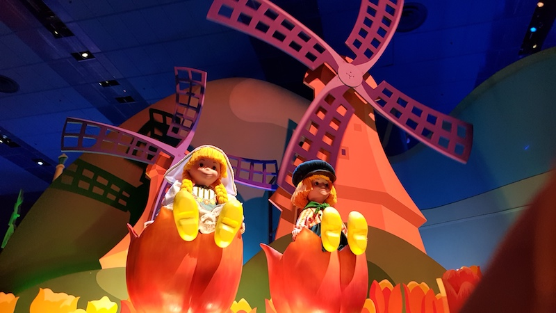Disneyland Paris - It's a small world (Dutch)