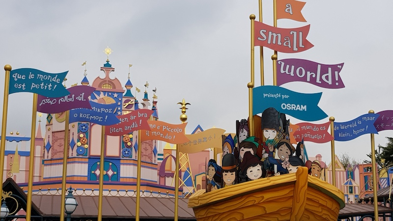 Disneyland Paris - It's a small world, outside