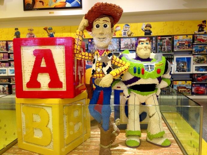 Lego store - Disneyland Paris