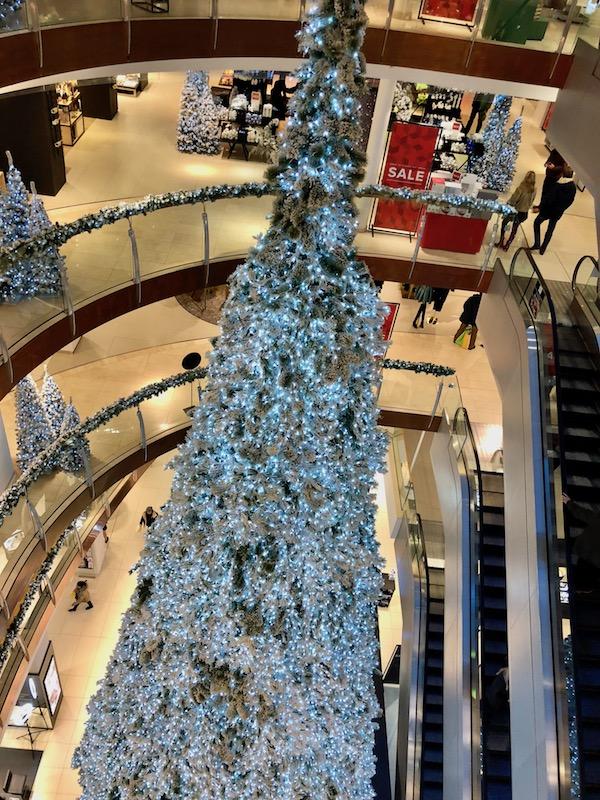 Christmas tree, Bijenkorf, The Hague 2017