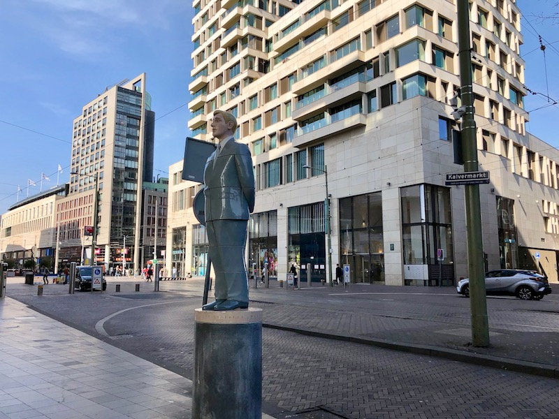 The Observer by Berry Holslag, The Hague