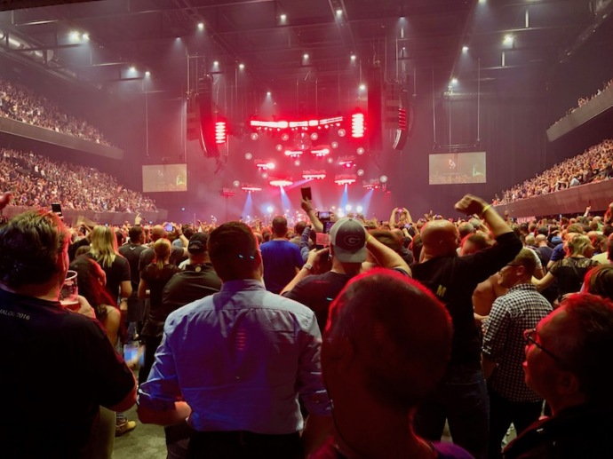 Alive - Pearl Jam in the Ziggo Dome, Amsterdam, June 12 2018
