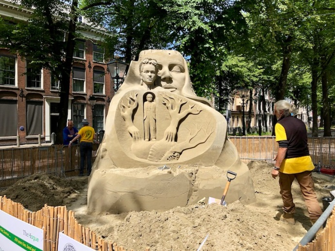 World sand sculpting championship 2018 - Frida Kahlo and Diego Rivera