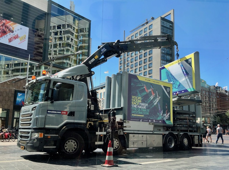Removing billboards for the Volvo Ocean Race in The Hague